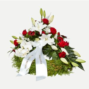 Classic wreath with decoration - white and red